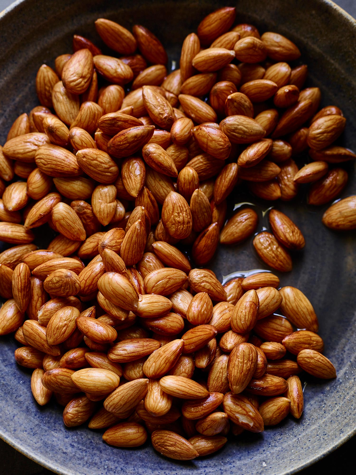Almonds_Soaking_V1_170618_278372
